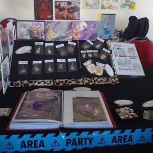 EAST VIII (SALON)